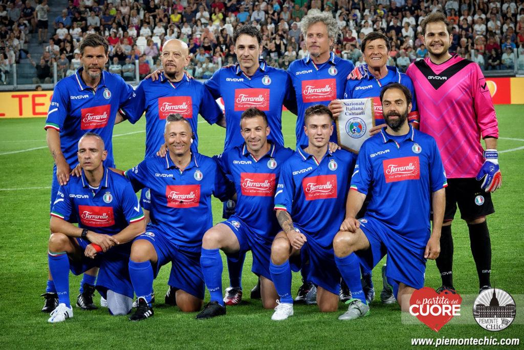 ALBUM COMPLETO CON 77 foto sulla pagina Facebook     CLICCA QUI. I campioni  di Formula Uno ... fc4d7f2029b